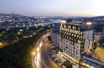 Picture of Movenpick Hotel Istanbul Golden Horn in Eyup