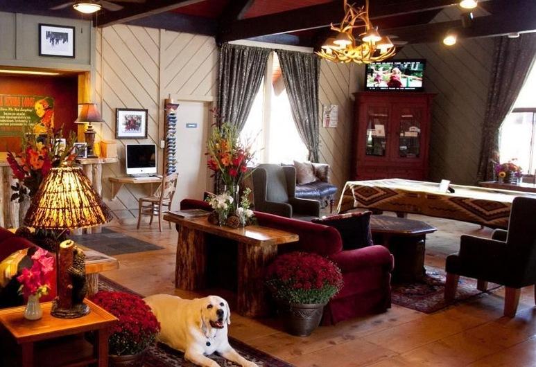 內華達山脈度假水療酒店, 馬莫斯湖, 大堂