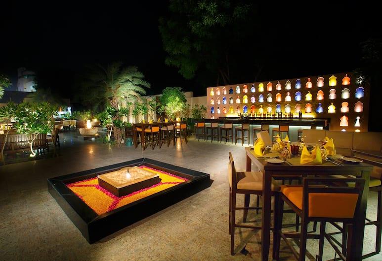 Courtyard by Marriott Agra, Agra, Restaurant