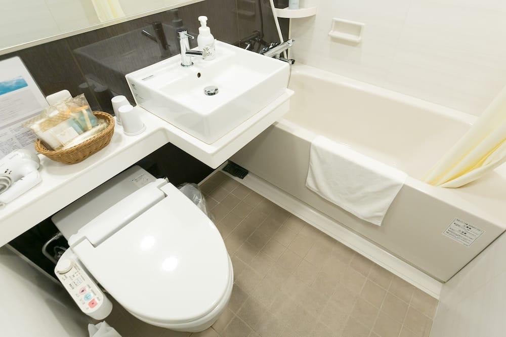 Gazdaságos szoba kétszemélyes ággyal, kizárólag nők számára, nemdohányzó - Fürdőszoba