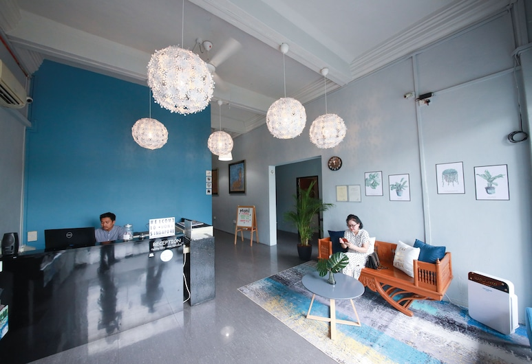 Moni Gallery Hostel, Singapore, Recepcia