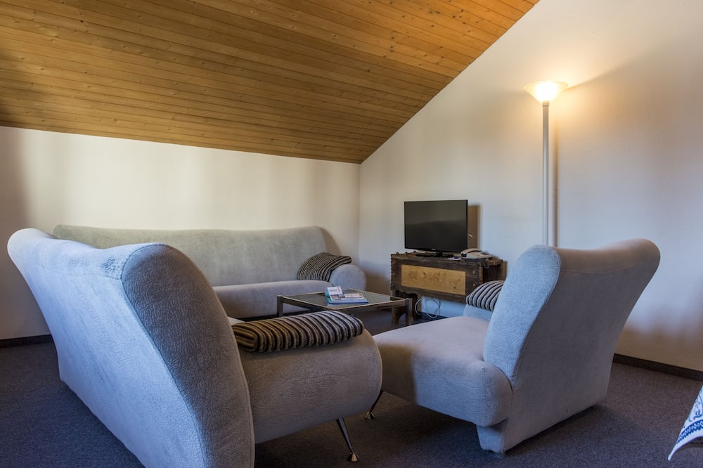 Family Suite, 2 Bedrooms - Living Room