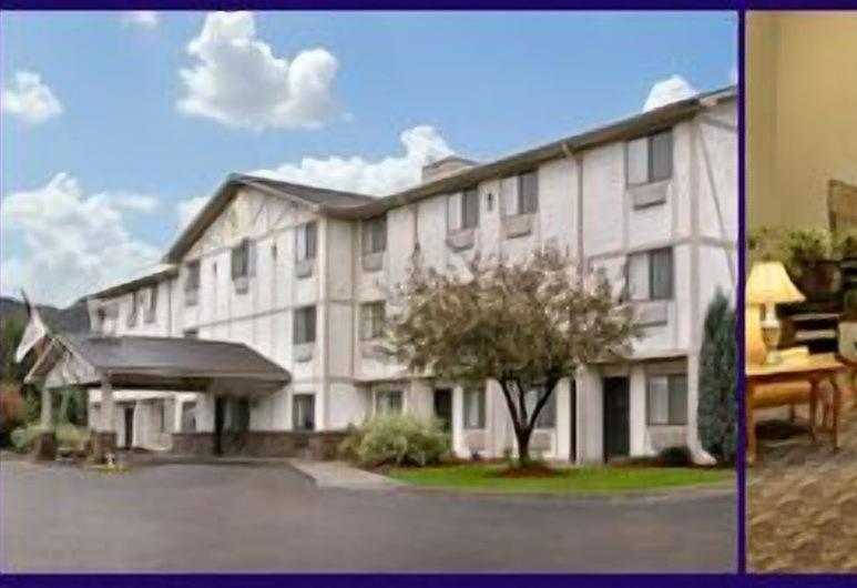 Quality Inn & Suites, Warren