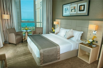 Enter your dates to get the Abu Dhabi hotel deal