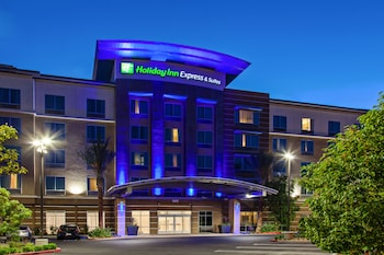 Picture of Holiday Inn Express & Suites Anaheim Resort Area in Anaheim