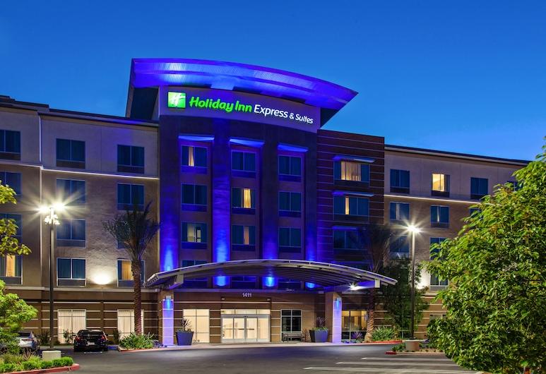 Holiday Inn Express & Suites Anaheim Resort Area, Anaheim