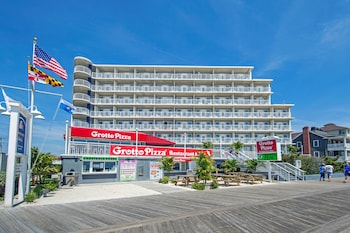 Picture of Commander Hotel & Suites  in Ocean City
