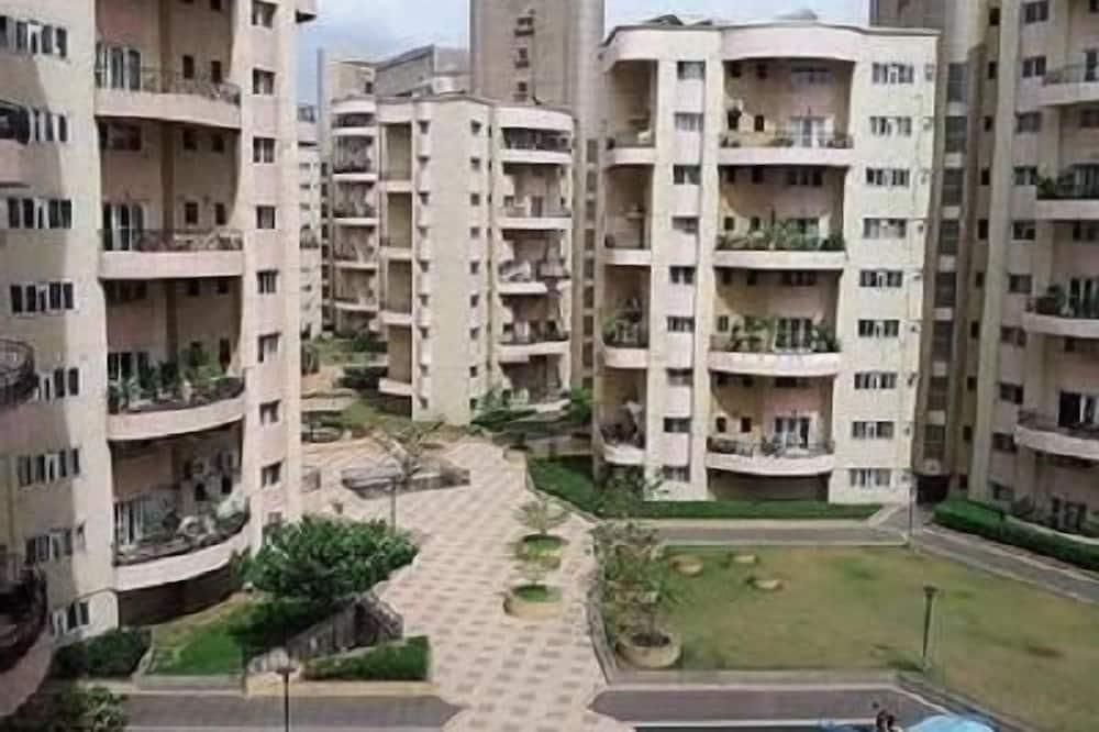 Kalpatharuvu Service Apartments, Pune