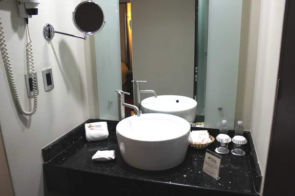 Rom – standard, 1 kingsize-seng - Vask på badet