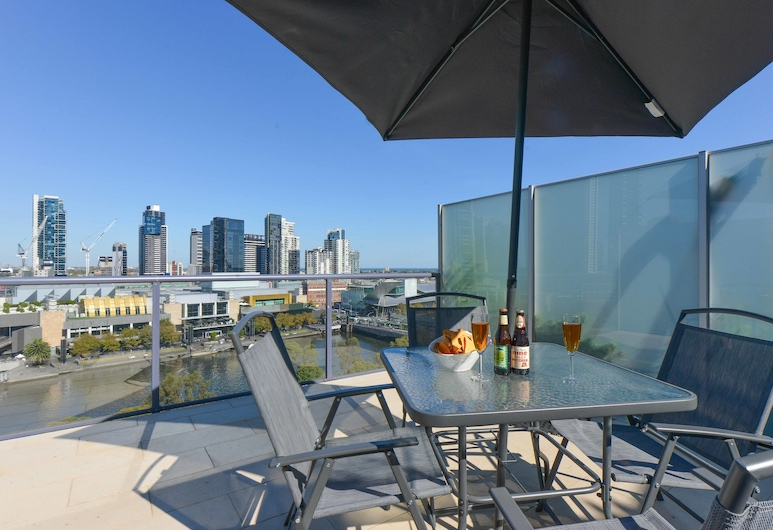 Northbank Residences by Apartments of Melbourne, Melbourne, Executive One Bedroom Apartment, Terrace/Patio