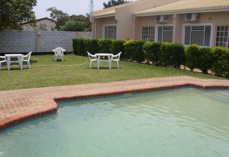 Lusaka Mosi-O-Tunya Executive Lodge, Lusaka, Outdoor Pool