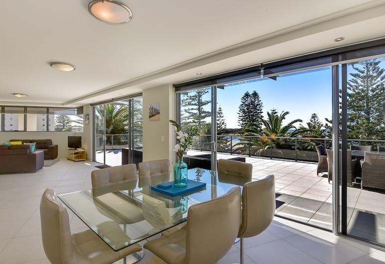 Coast Luxury Apartment 17, The Entrance