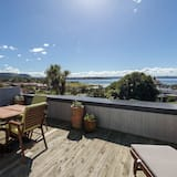 Exclusive Penthouse, 1 King Bed, Lake View - Balcony