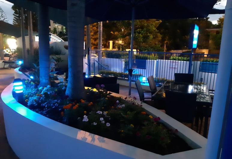 Surfers Beach Resort One, Surfers Paradise, Jardín