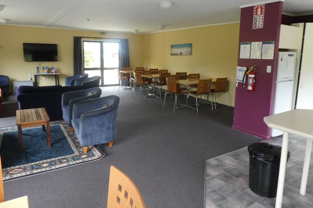 Chambre, salle de bains privée - Coin séjour