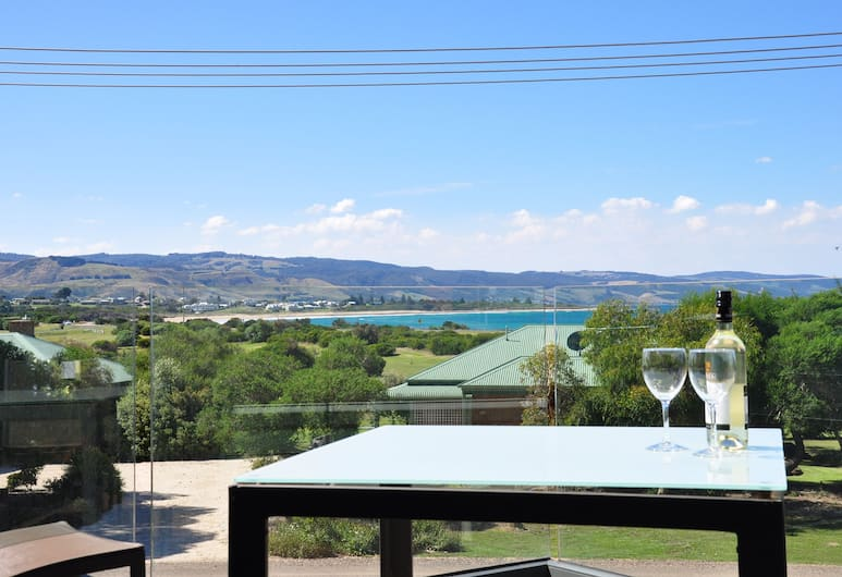 "Apollo Bay Cottages, Apollo Bay, Luxury Couples' Retreat ""Beach & Reef"", Balcony"
