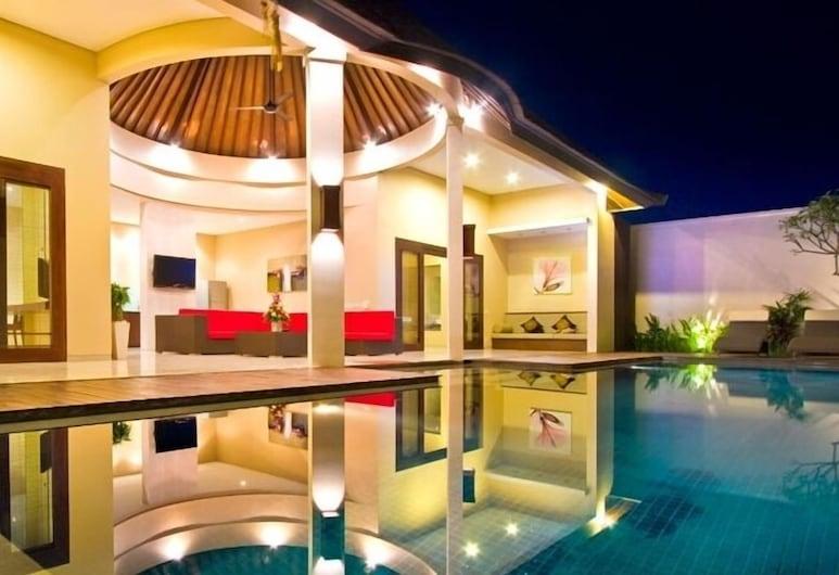 Oval Villa Bali, Seminyak, Piscina externa