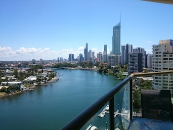 Picture of Surfers Hawaiian Holiday Apartments in Surfers Paradise