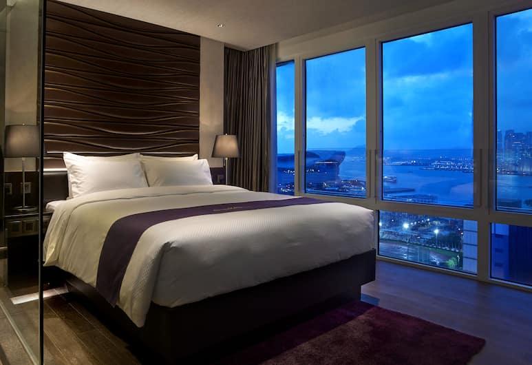 글루세스터 호텔, 홍콩, 프리미어룸, 퀸사이즈침대 1개, 항구 전망, 객실