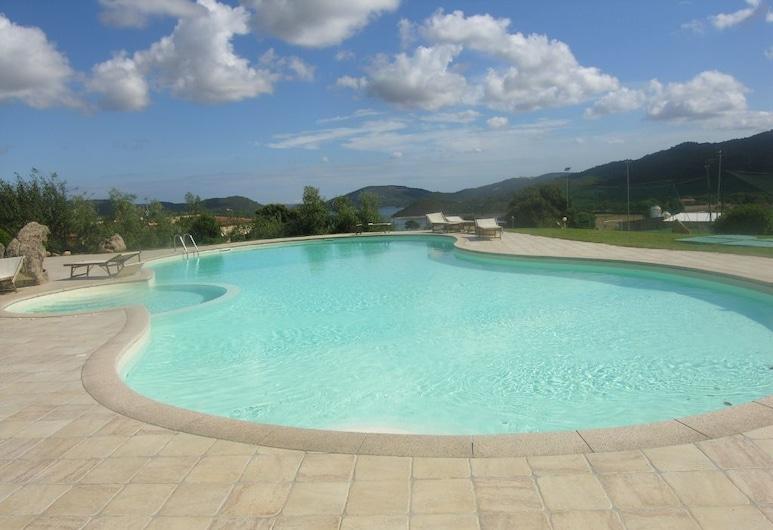 Hotel Funtana Abbas, Luras, Piscina al aire libre