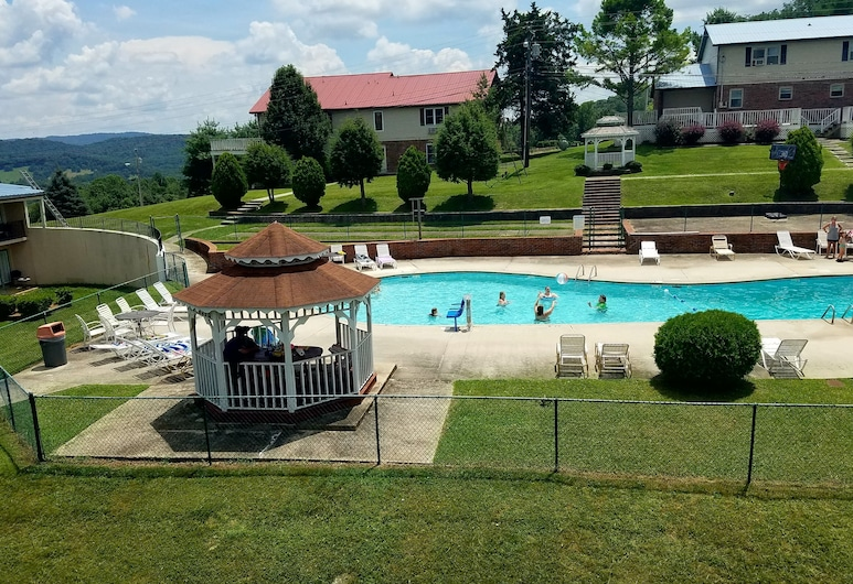 Baymont by Wyndham Cookeville, Cookeville, Outdoor Pool