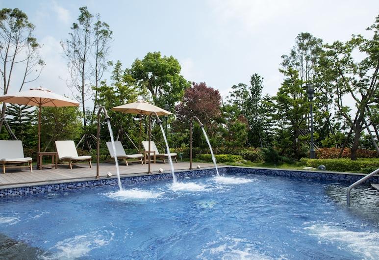 Golden Lake Hotel, Jinhu, Outdoor Pool