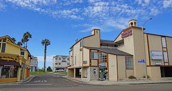 Huntington Beach bölgesindeki Ocean Surf Inn & Suites resmi