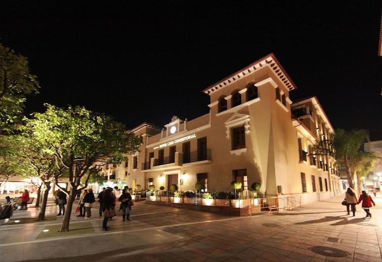 Hotel Casa Consistorial, Fuengirola, Hotellfasad - kväll