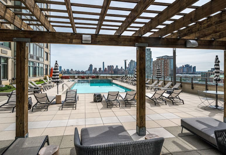 Global Luxury Suites Downtown Jersey City, Jersey City, Basen odkryty