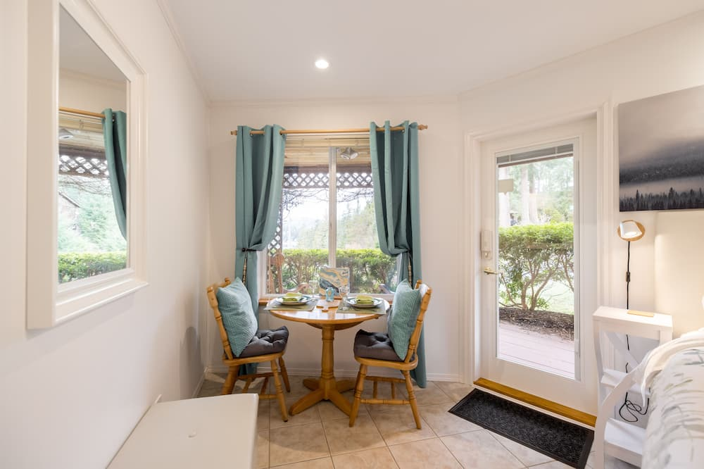 The Enchanter Mini Suite - In-Room Dining