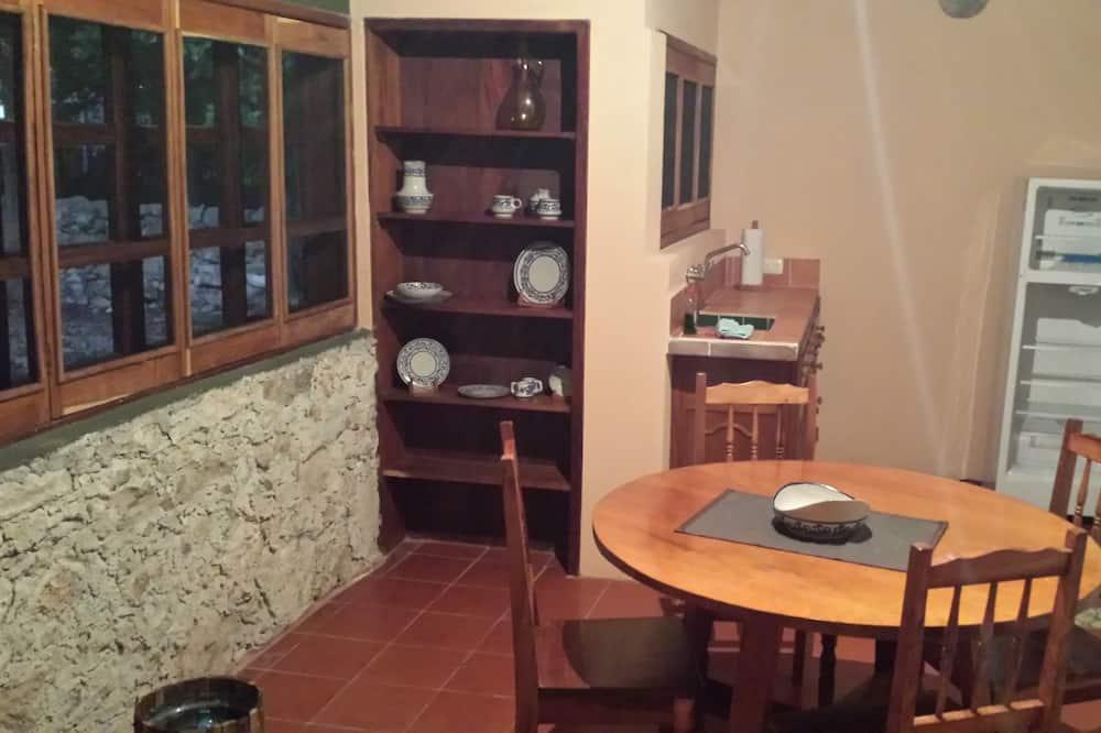 Žemesnės liukso klasės vila, 1 miegamasis - Vakarienės kambaryje
