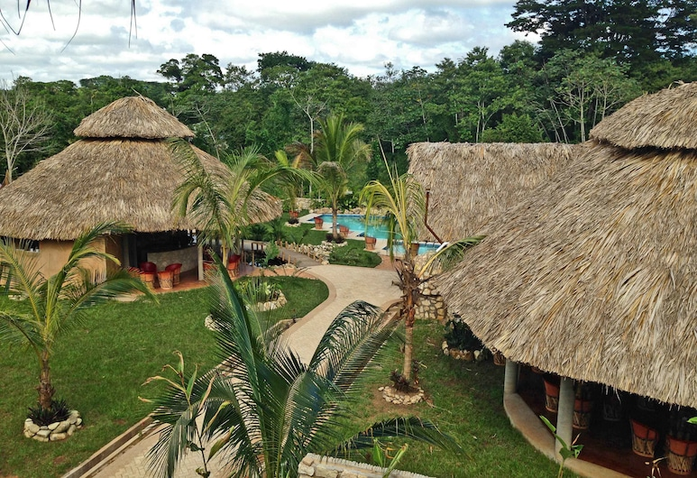 Axkan Arte Palenque, Palenque, Exterior