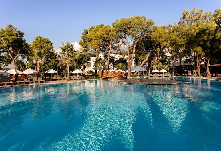 七海生活酒店 - 全包式, 凱麥什, 室外泳池