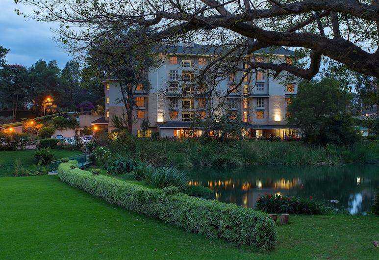 Qaribu Inn, Nairobi, Garden