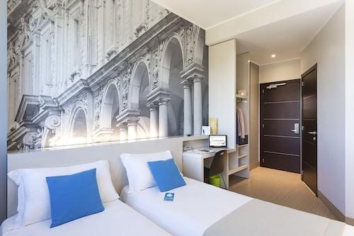 米蘭賽尼斯加里波第酒店/