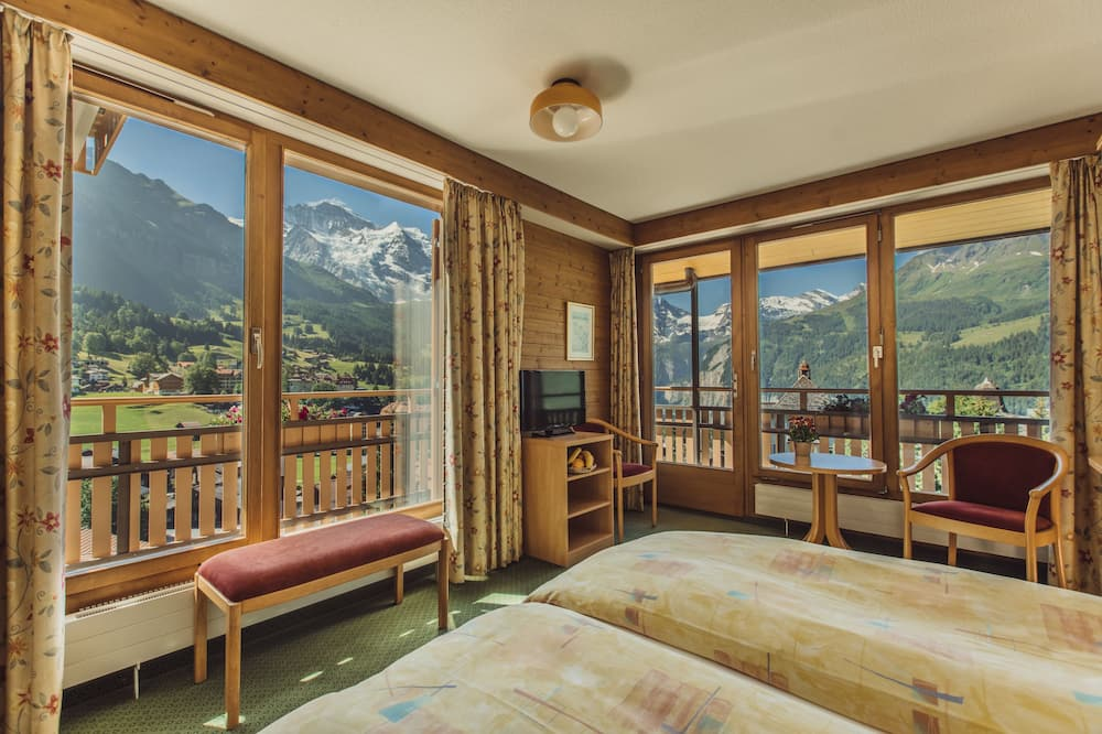 Panoramic Double Room, 1 Double Bed, Mountain View - Living Area