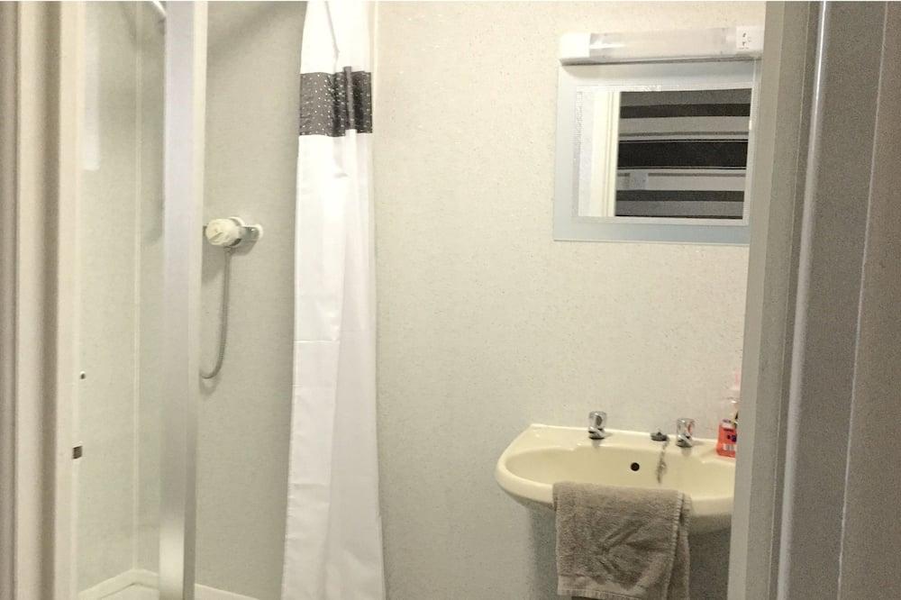 베이직 트리플룸, 공용 욕실, 바다 전망 - 욕실