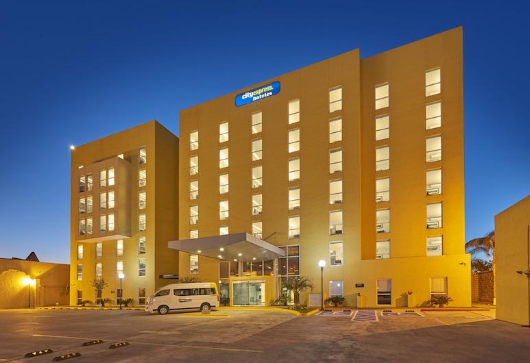 馬塔莫羅斯城市快捷酒店, 馬塔莫羅斯