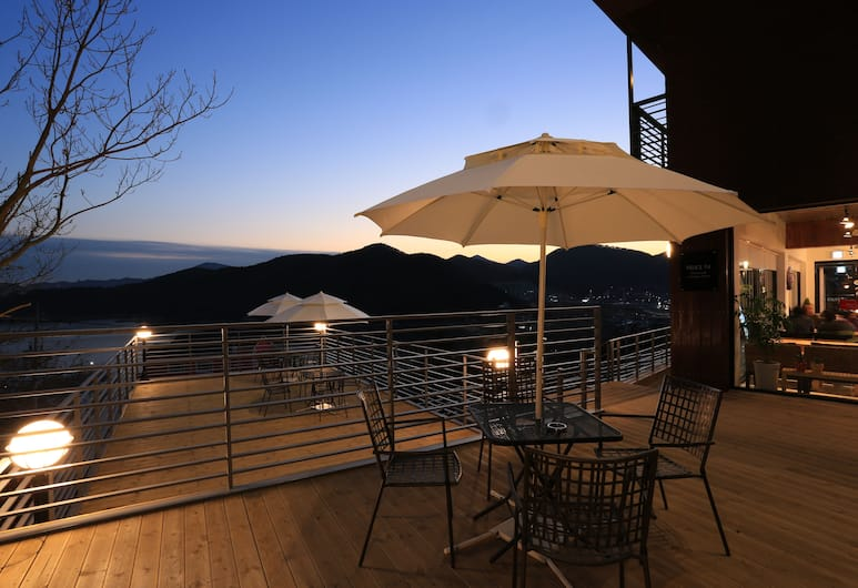 Radiance Hotel, Geoje, Outdoor Dining