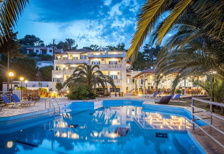 Stafylos Suites Boutique Hotel, Σκόπελος, Εξωτερική πισίνα