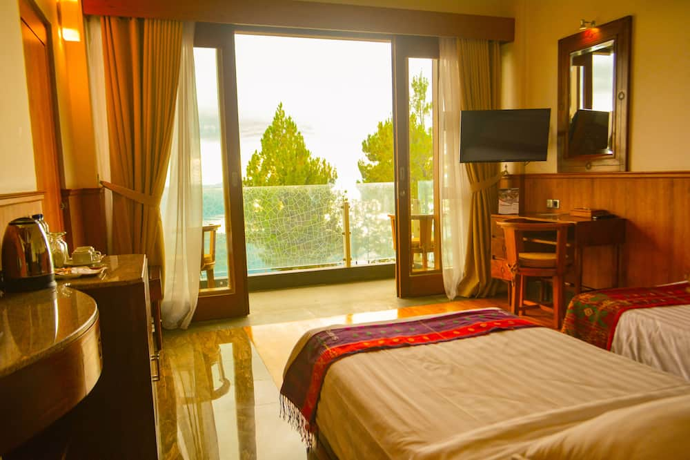 Tongging Point Hotel Deluxe Double/Twin, Lake Toba View - Lake View