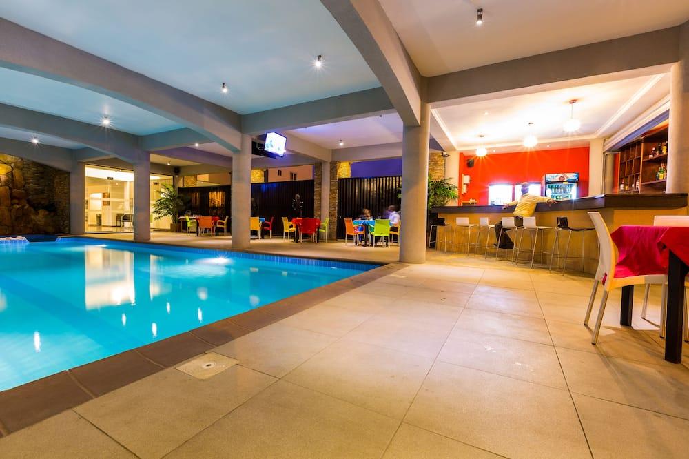 Krytý/vonkajší bazén