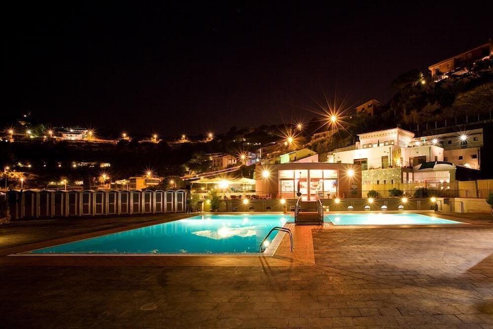 Book Le Terrazze di Portovenere in Portovenere | Hotels.com