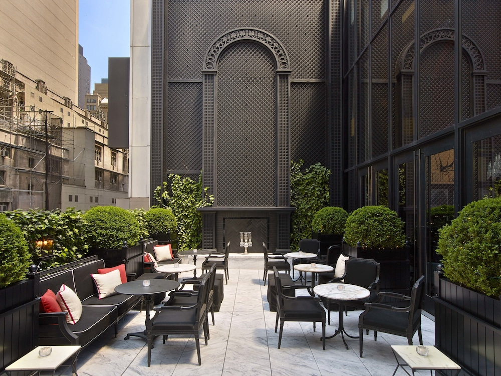 Book baccarat hotel and residences new york in new york for Hotel new york