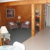 Cottage, 1 Bedroom, Lake View - Living Area