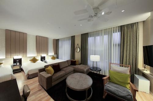 首爾索拉里亞西鐵酒店