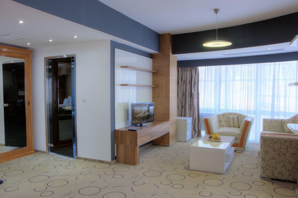 Junior Suite, City View - Living Area