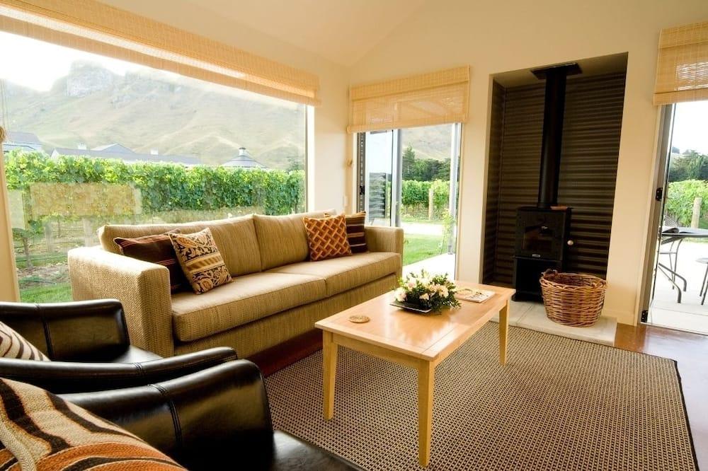 Vineyard Cottage, 2 Bedrooms - Living Area