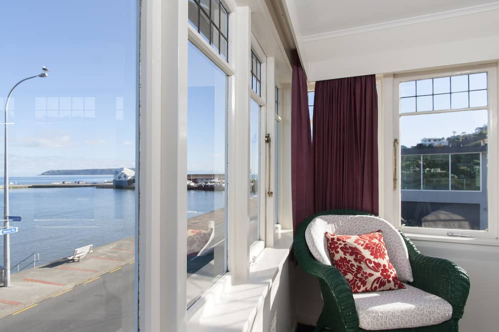 Seafront Queen Room (Shared Bathroom) - Guest Room View