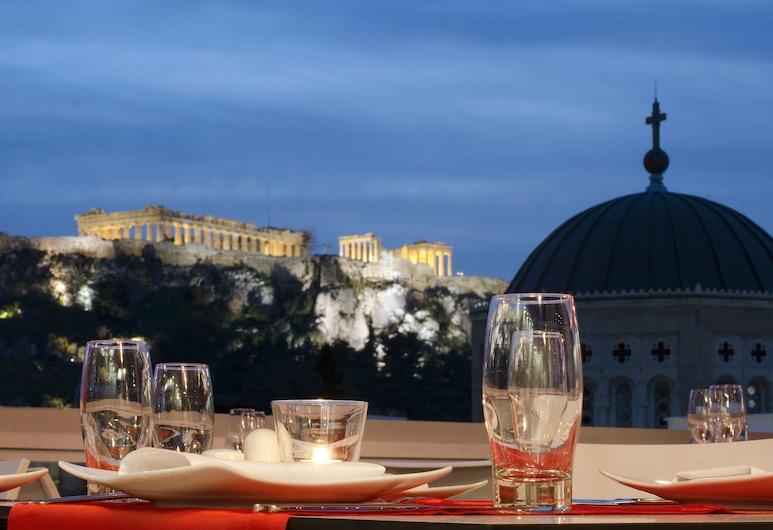 Athens Status Suites, Atėnai, Vakarienės lauke